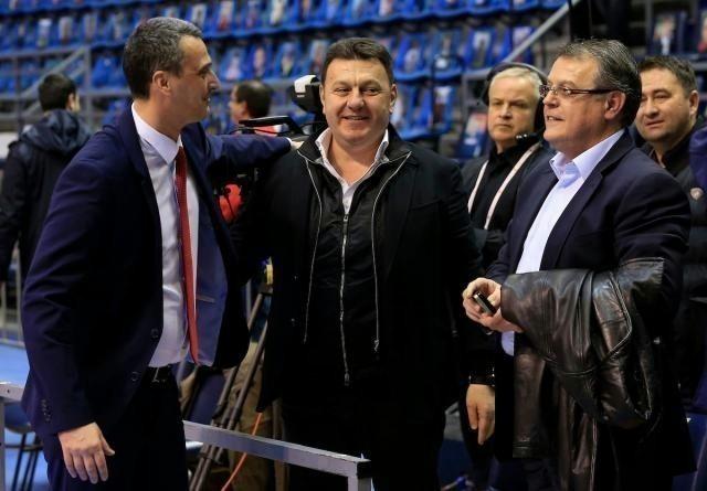 Dragan Bokan, u sredini, u društvu Dejana Radonjića i Nebojše Čovića (StarSport)