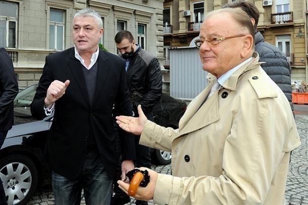 Moskovljani ukazali veliku čast legendama srpske košarke. Foto: MN Press