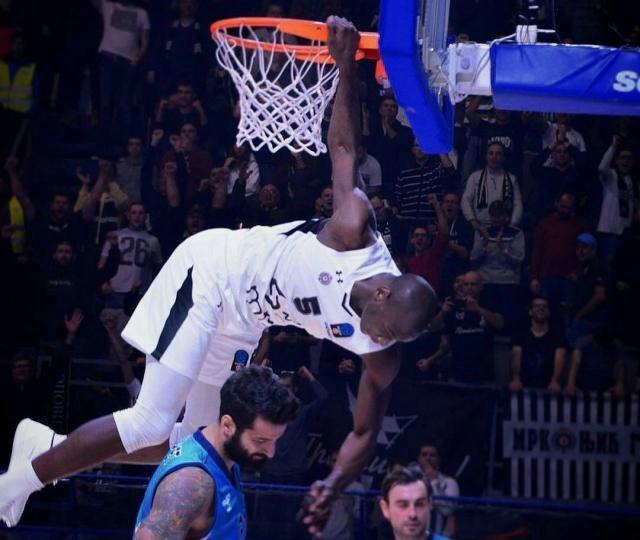 Košarkaši Partizana i Zvezde počinju Top 16 fazu Evrokupa 2. januara