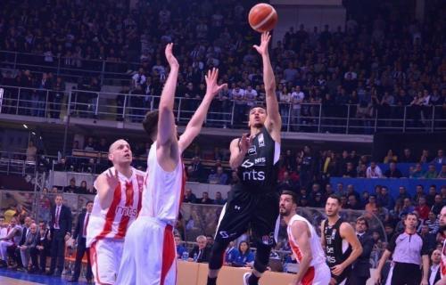 Crvena zvezda pobedila Partizan