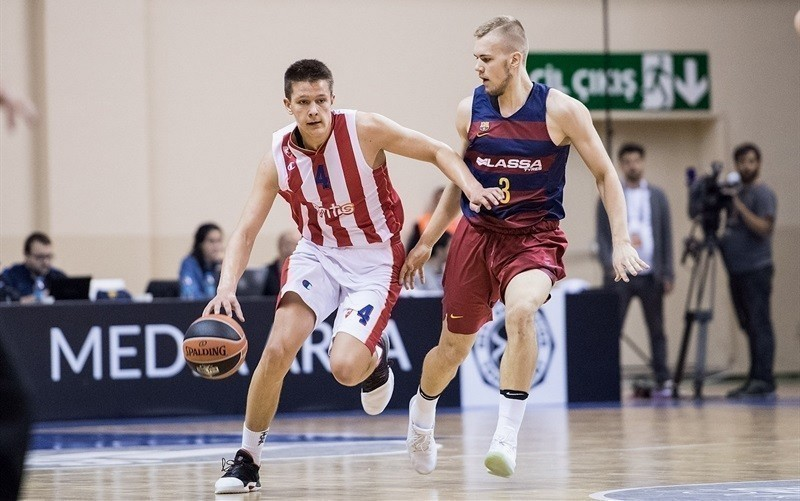 Arijan Lakić potpisao prvi profesionalni ugovor sa Crvenom Zvezdom